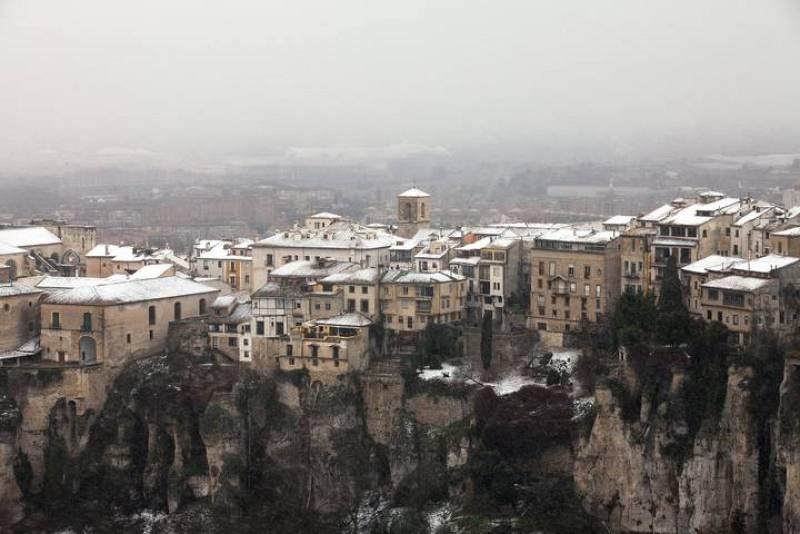 Imagen de Cuenca que amaneció este viernes cubierta de nieve, especialmente en las partes altas de la ciudad