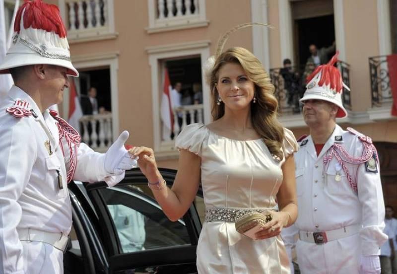 La princesa Magdalena de Suecia, a su llegada a la misa de la boda