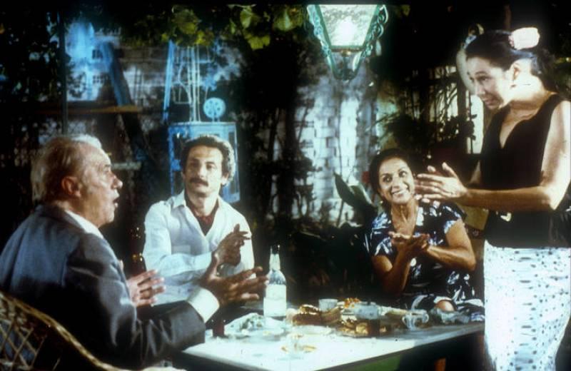 'Juncal' y 'Búfalo', con Merche (Lola Flores) y Rosario (Cristina Hoyos).