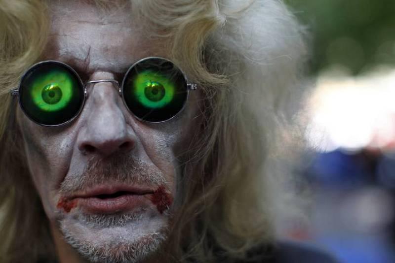 """Los """"zombies"""" han empleado toda clase de atuendos para su disfraz"""