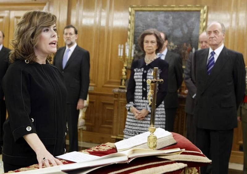 Soraya Sáenz de Santamaría jura como vicepresidenta, ministra de la Presidencia y portavoz del Gobierno presidido por Mariano Rajoy.