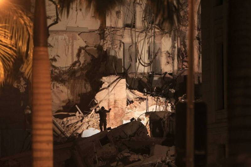 Dos edificios se han derrumbado en el centro de Río de Janeiro.