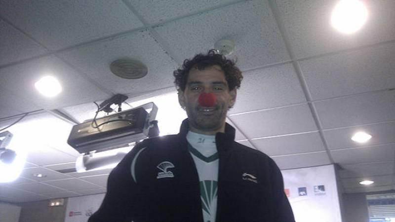 El jugador del Unicaja Jorge Garbajosa con la nariz roja.