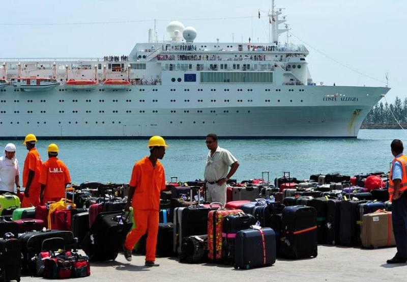 El equipaje del Costa Allegra ha sido trasladado a tierra con anterioridad