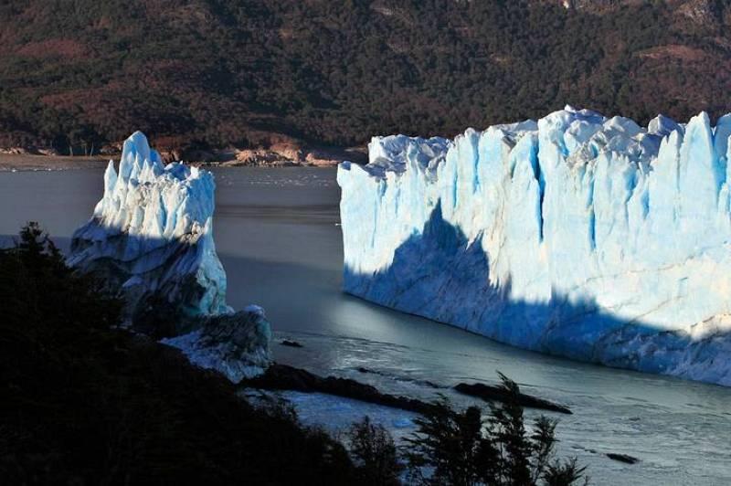 Aspecto del glaciar Perito Moreno tras completar su periodo de ruptura esta madrugada