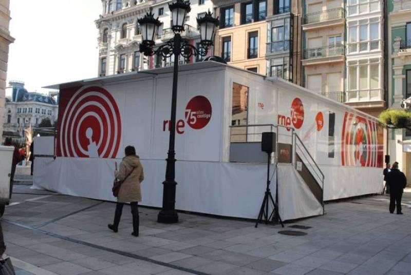 Oviedo acoge la exposición itinerante del 75º Aniversario de RNE