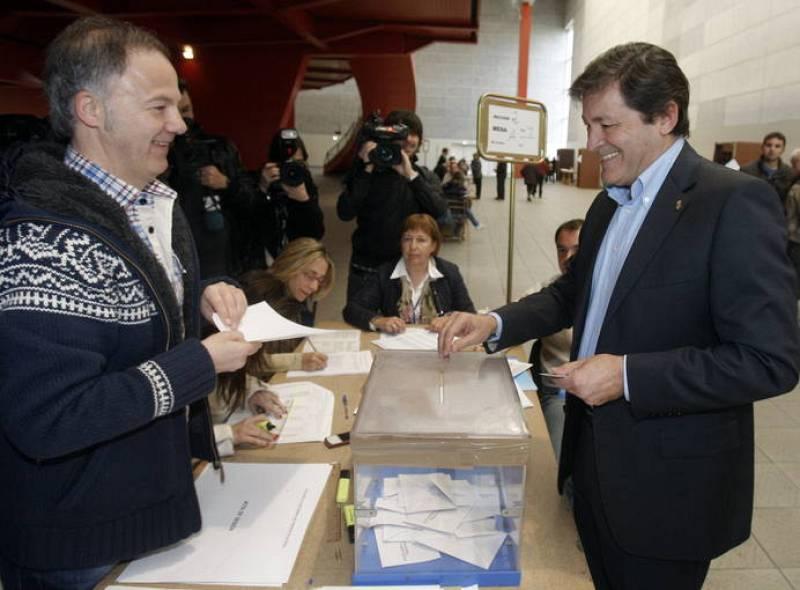 Javier Fernández vota