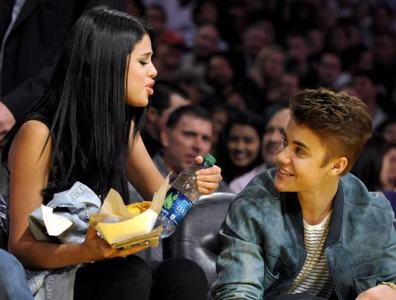 Gente y Tendencias - Justin Bieber y Selena Gómez picando algo