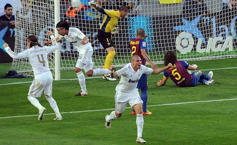 Khedira celebra el 0-1, gol del Madrid en el minuto 16.