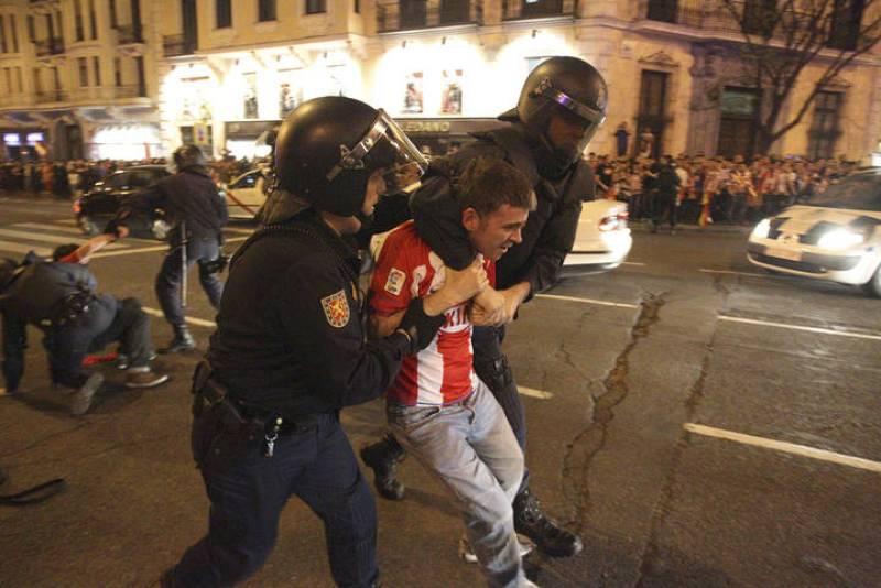 DISTURBIOS CELEBRACIÓN ATLÉTICA EN LA PLAZA NEPTUNO SEGUNDA EUROPA LEAGUE ATLÉTICO DE MADRID