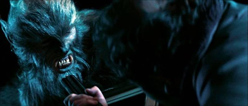Uno de los 'Lobos de Arga' amenazando a los protagonistas ¿Sobrevivirán?