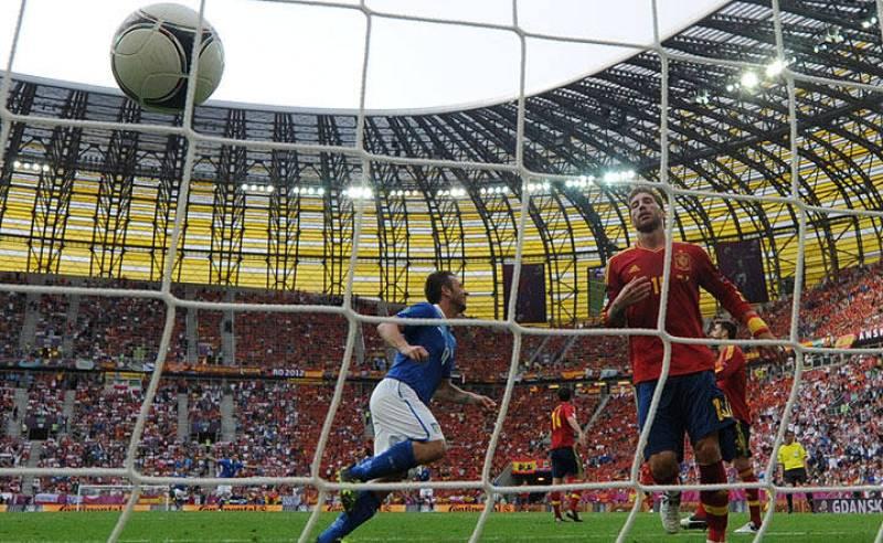 El primer gol del partido fue de Italia, y lo marcó Di Natale