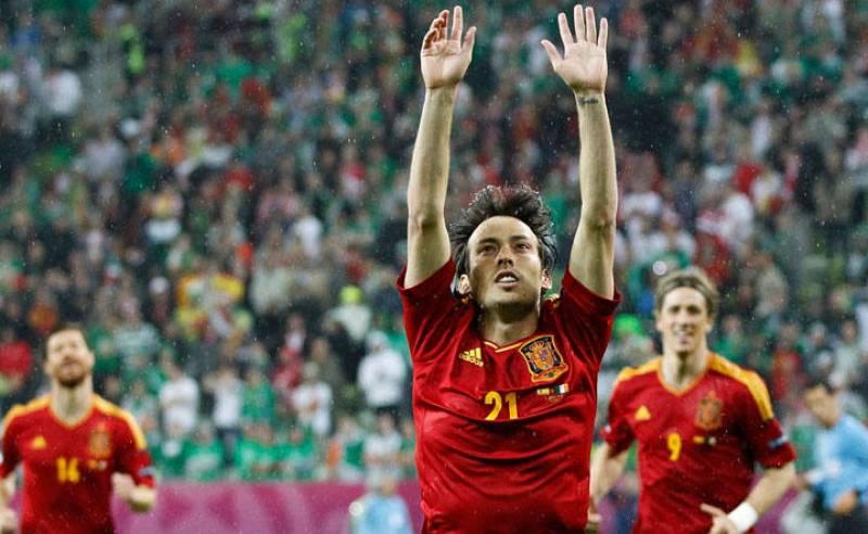 Silva celebra el segundo gol de España