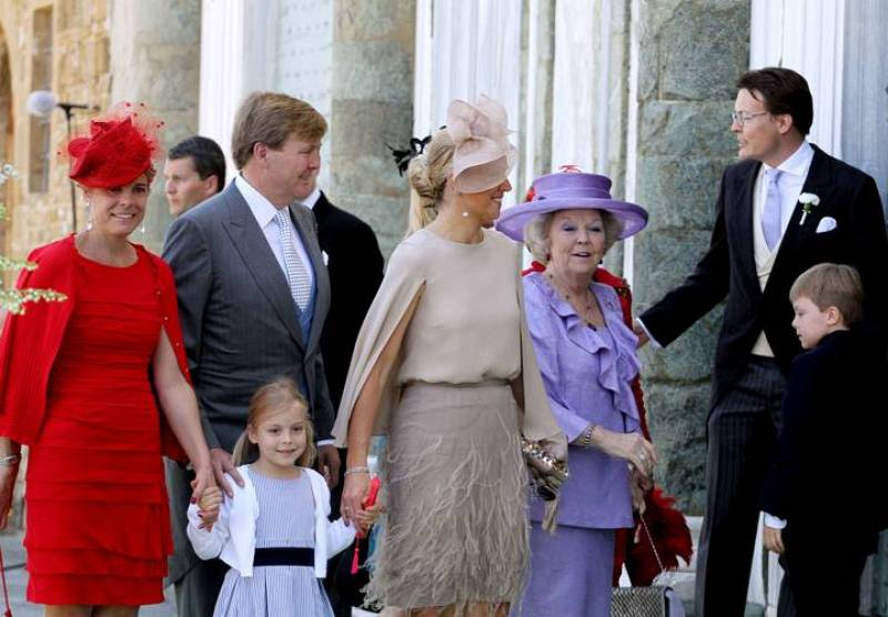 La familia real holandesa ha acudido este fin de semana a la boda de la princesa Carolina de Borbón y Parma, celebrada en la Basílica de San Miniato al Monte de Florencia.