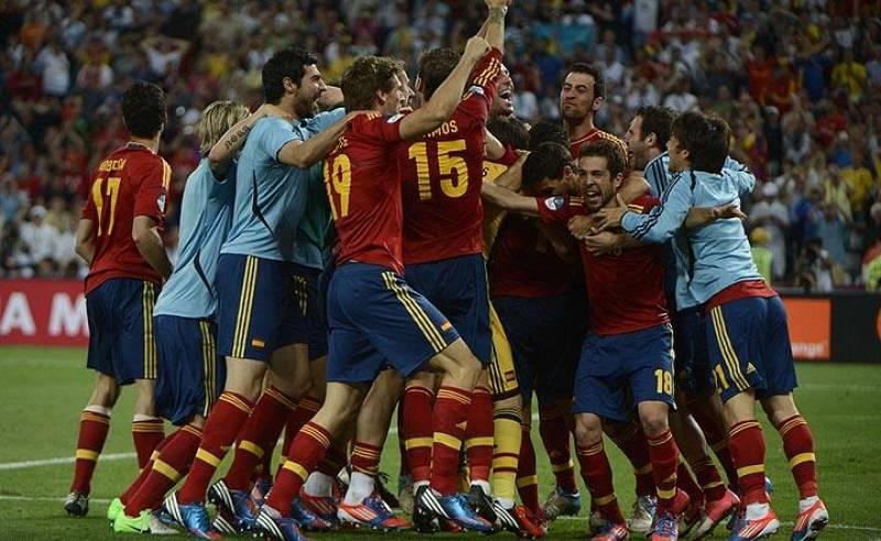 España celebra su triunfo ante Portugal