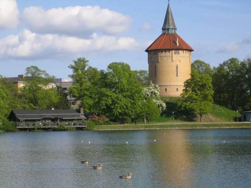 Torre de agua en el Parque Pildamm de Malmö.