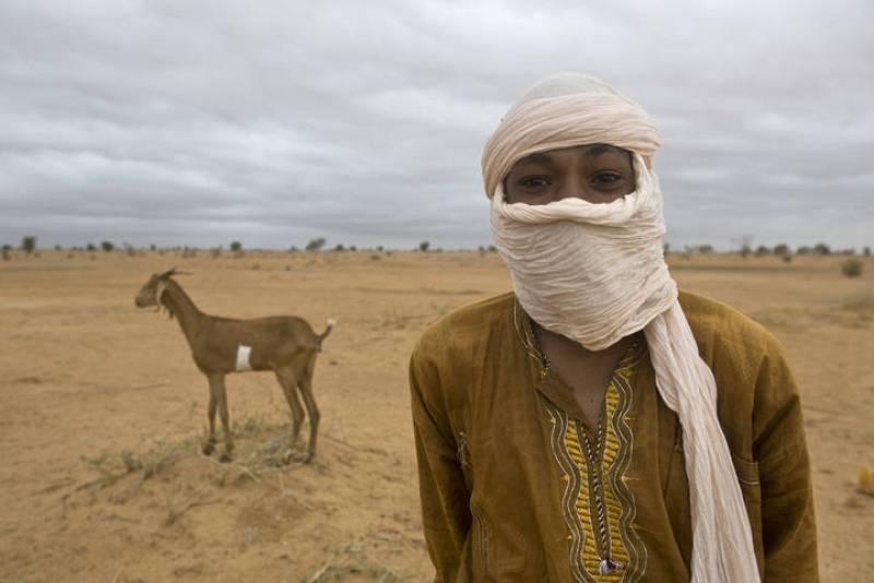 Un joven de Malí en el campamento de refugiados de Damba, en Burkina Faso.