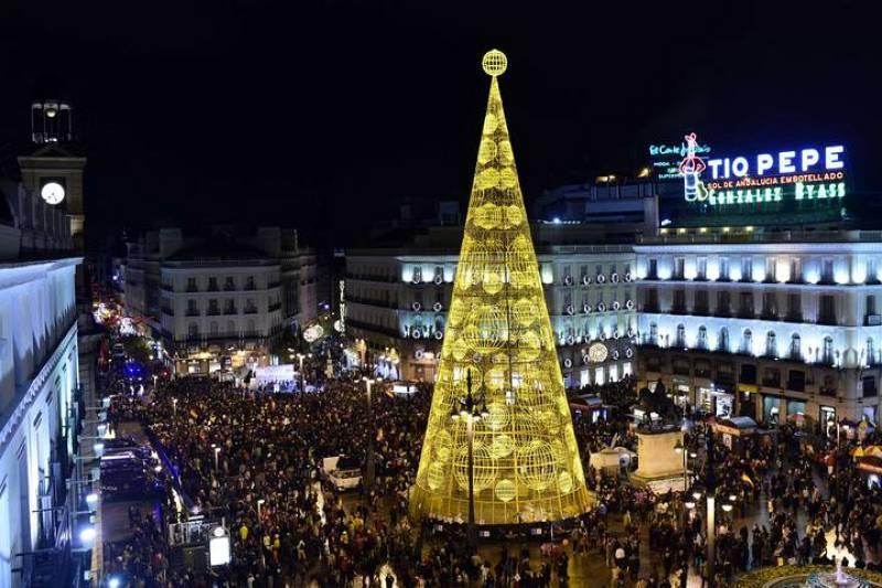 Los miles de manifestantes de las Marchas por la Dignidad llegan a la céntrica plaza de la Puerta del Sol.