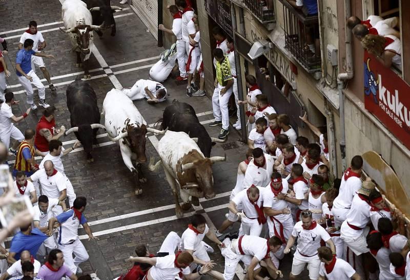 El primer encierro de San Fermín 2015 ha dejado un herido por ata de toro