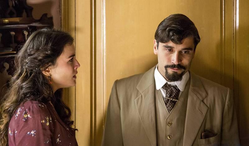 Adriana Ugarte y Álex García en 'Habitaciones cerradas'