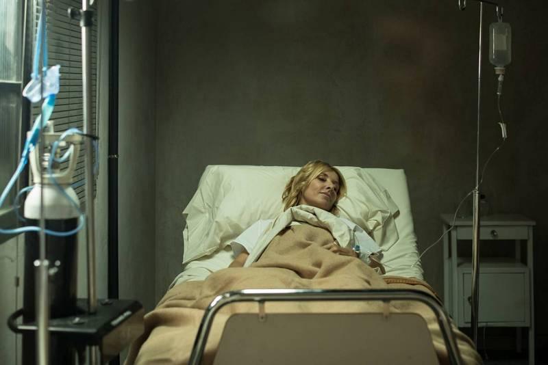 Irene está en la enfermería del Ministerio: se ha contagiado de gripe española en 1918.