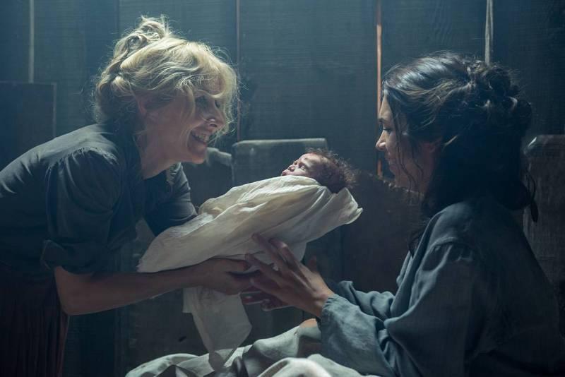 Irene atiende el parto de Micaela. En 1918 nacerá Carmen Amaya