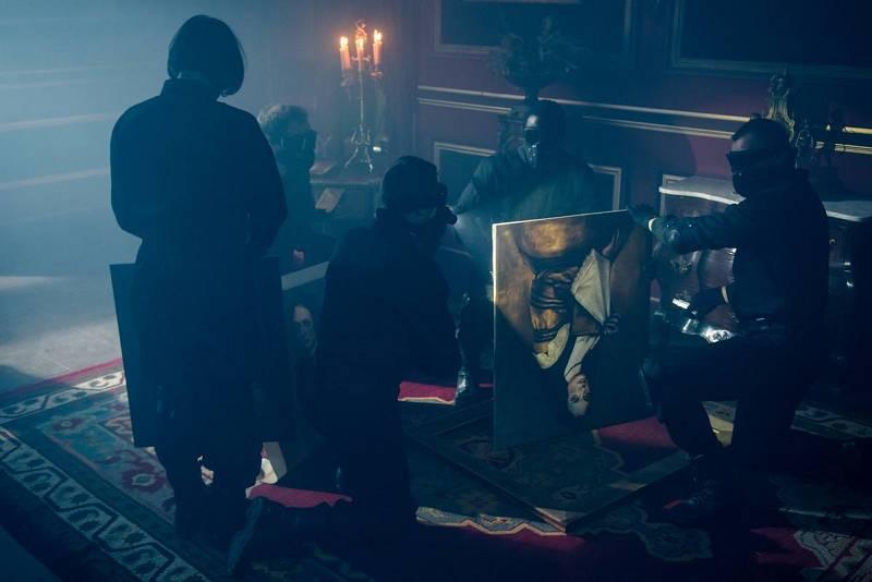 Los miembros de Darrow en el Alcázar de Madrid de 1734 robando obras de arte antes del gran incendio