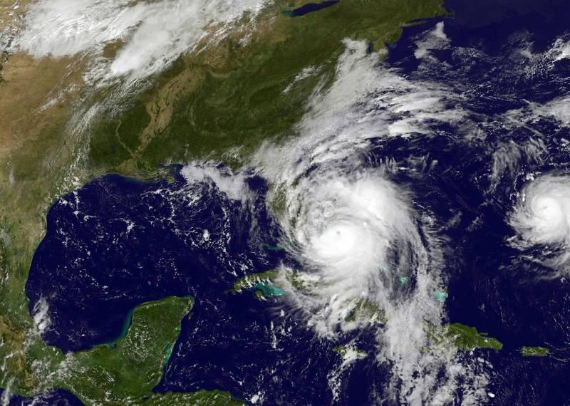 El Huracán Matthew se acerca a EE.UU. tras dejar decenas de muertos en el Caribe