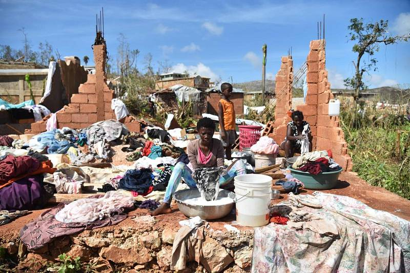 Los afectados por el huracán Matthew intentan volver a la normalidad