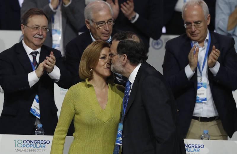 Rajoy felicita a Cospedal