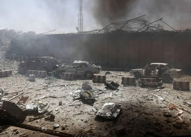 Destrozos en el lugar de la explosión, en el distrito diplomático de Kabul