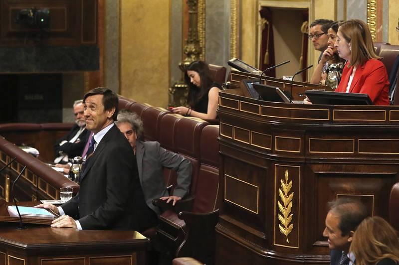 El portavoz del PP responde al líder de Podemos