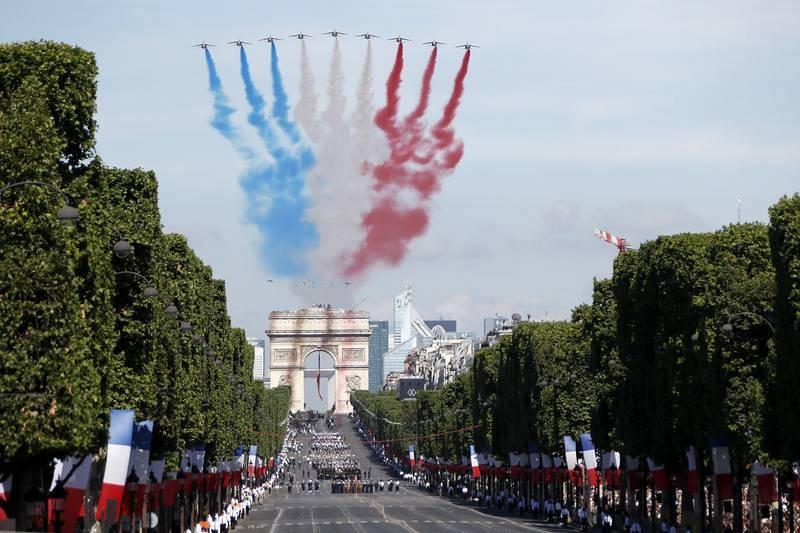 Los Campos Elíseos acogen el desfile de la Fiesta Nacional francesa