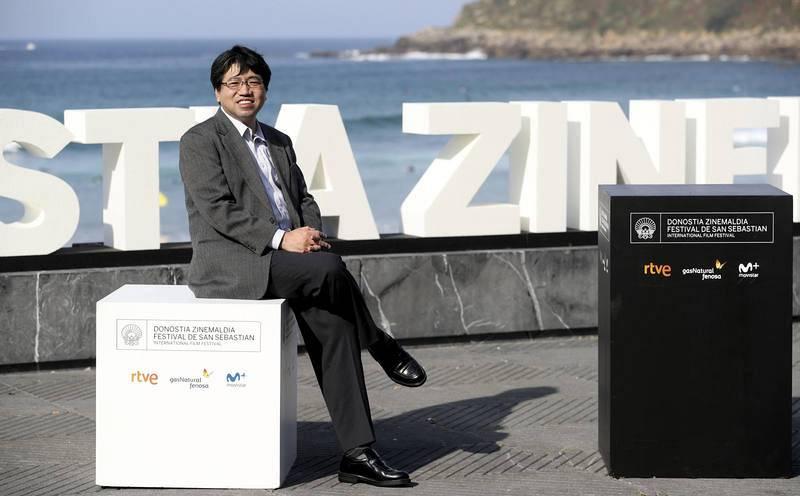 El realizador japonés, Noboyuki Takeuchi, posa tras presentar su película 'Fireworks'