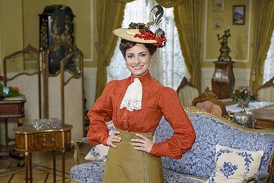 Los personajes de 'Acacias 38' | Anita del Rey es Trini en 'Acacias 38' - RTVE.es
