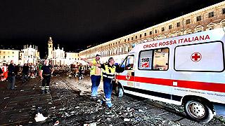 1.000 los heridos, 8 graves, tras una estampida en Turín