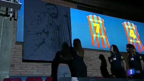 Ir al VideoEl '11' de Juan Carlos Navarro ya cuelga en el Palau Blaugrana