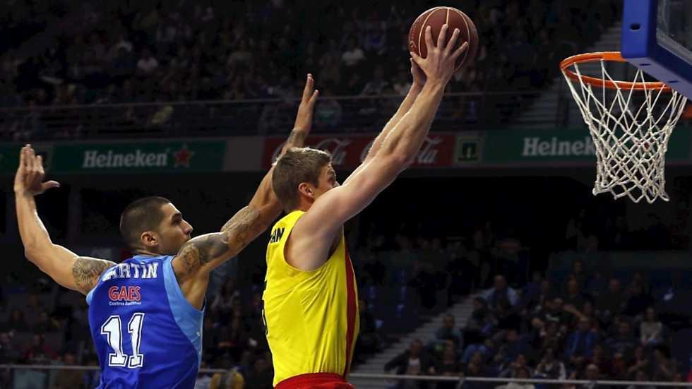 Baloncesto - Liga ACB. 12ª jornada. Tuenti Movil Estudiantes - FC Barcelona