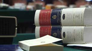 La Real Academia Española abre las puertas del diccionario a 1.697 nuevas palabras