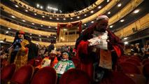 22 horas haciendo cola para presenciar en directo el sorteo de la Lotería en el Teatro Real