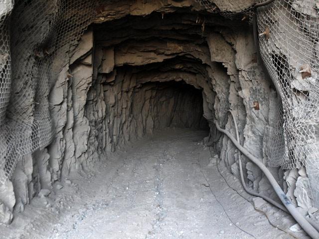 """Los """"33 de Atacama"""" vuelven a la mina San José un año después"""