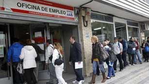 5.639.500 parados en España, nuevo récord histórico con una tasa del 24,4%