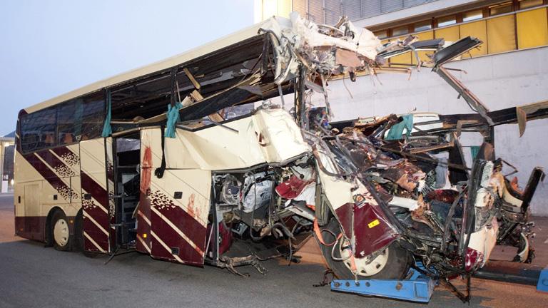 Fallecen 28 personas, 22 de ellas niños, en un accidente de autobús en Suiza