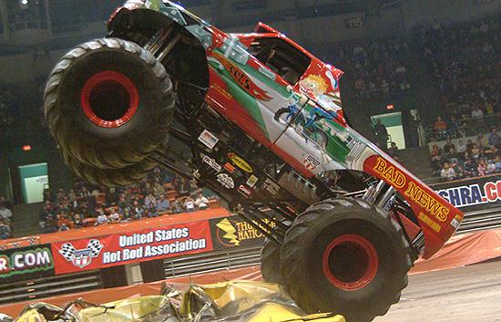 Accidente mortal en 'Monster Trucks'
