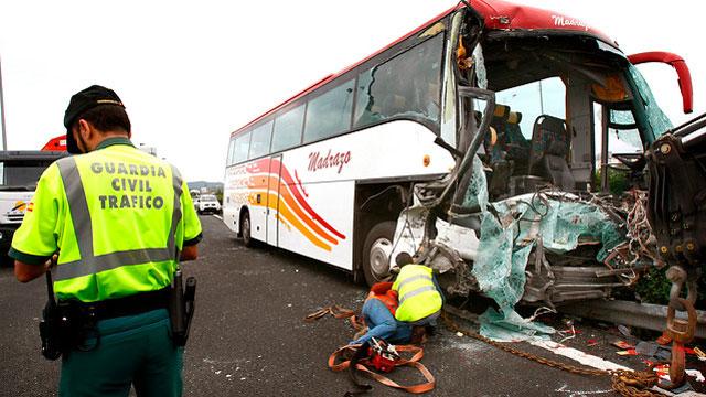 Accidente de tráfico en Cantabria entre un autobús de jubilados y un camión