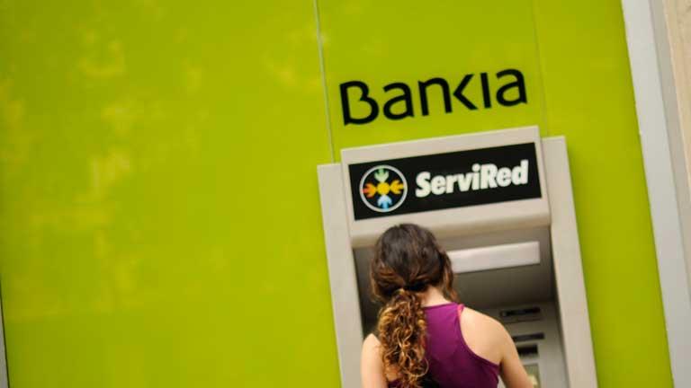 Las acciones de Bankia caen un 14 %