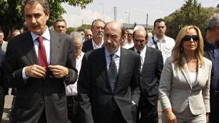 Despedida emotiva en el entierro de Peces-Barba en Colmenarejo