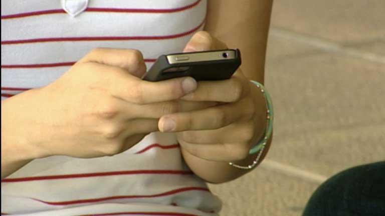 ¿Cómo detectar la dependencia de los adolescentes a internet?