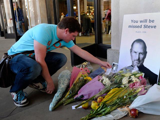Adiós a Steve Jobs, el hombre que pensaba diferente