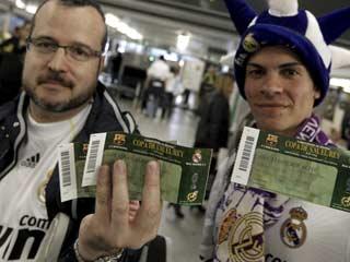 Los aficionados blancos llegan a Valencia